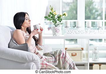 poltrona, mulher, jovem, sentando