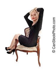 poltrona, vestido preto, bonito, sentando, mulher