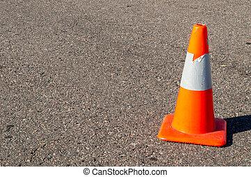 pomarańcza, bezpieczeństwo stożek, na, asfalt
