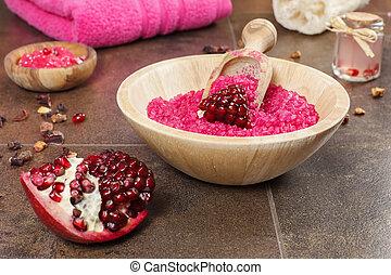 Pomegranate skin care - Organic fruit skincare ingredients, ...