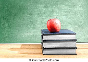 pomme, bois, livres, tas, tableau, fond, table