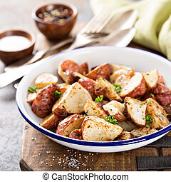 pommes terre, herbes, rôti