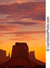 pomník, západ slunce