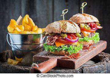 pomodoro, pancetta affumicata, delizioso, manzo, hamburger