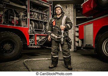 pompiere, acqua, sopra, camion, tubo, spalla, ...