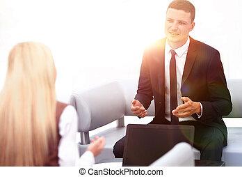 pomyślny, biznesmen, biuro, posiedzenie