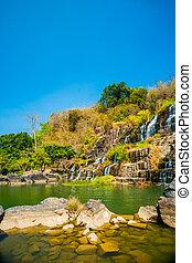 pongour, cascata, vietnam