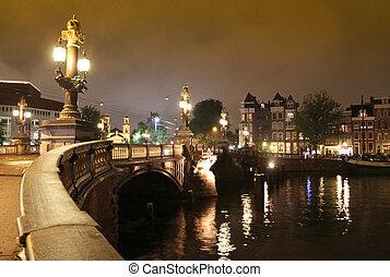 pont, amstel, sur, nuit, amsterdam, rivière