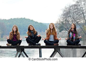 pont bois, filles, jeune