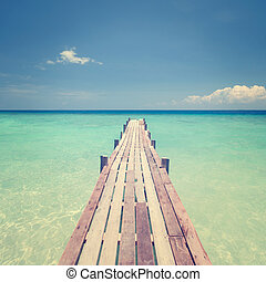 pont bois, vers, mer