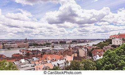 pont, budapest, danube, city., chaîne, urbain, panorama, bâtiments, vieux, rivière, hungary., paysage