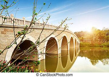 pont espiègle, vieux, lac, porcelaine