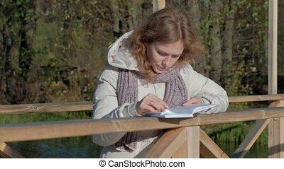 pont, femme, automne, lit, livre, rivière