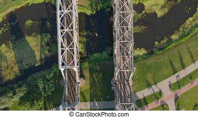 pont ferroviaire, acier, rivière