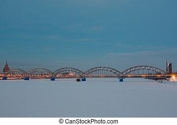 pont ferroviaire, soir