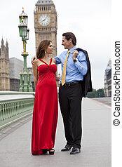 pont, grand, femme, ben, romantique, grand, couple, angleterre, westminster, grande-bretagne, fond, londres, homme
