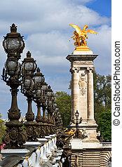 Pont III lanterns