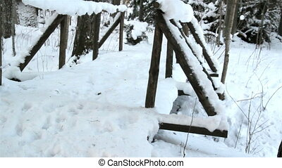 pont miniature, neige, rempli