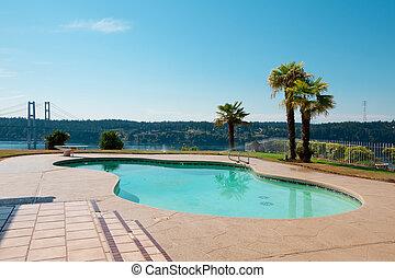 pont, passage étroit, maison, sur, lac, arbres, paume, luxe, washington., front mer, piscine, vue