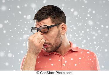 pont, sien, lunettes, fatigué, toucher, nez, homme