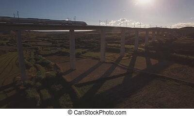 pont, sur, train, coucher soleil, backlit
