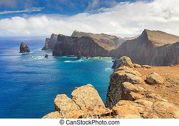 Ponta de Sao Lourenco seascape - Beautiful landscape view of...