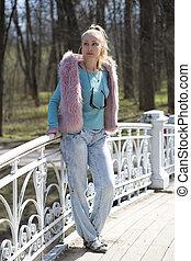 ponte, mulher, primavera, parque, jovem, cedo, luminoso, vestido