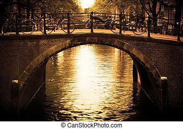 ponte, sobre, amsterdam., romanticos, canal.