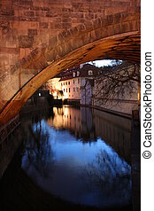 ponte, sotto