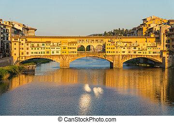 Ponte Vecchio bridge over the Arno River