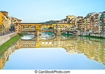 Ponte Vecchio, old bridge, medieval landmark on Arno river ...