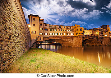 Ponte Vecchio over Arno River, Florence, Italy. Beautiful ...