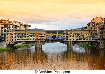 ponte vecchio, puente, en, florencia, italia