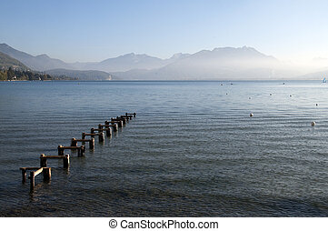Pontoon structure and Lake Annecy