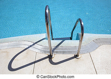 Pool ladder step of a swimming pool