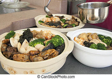 Poon Choi Cantonese Big Feast Bowls Preparation - Poon Choi...