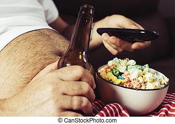 pop-corn, bière, manger boire, homme