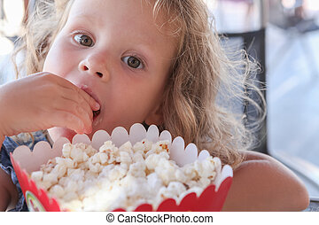 pop-corn, doux, petite fille, manger