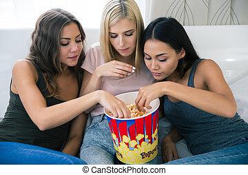 popcorn, mangiare, tre, amiche