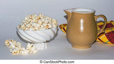 popcorn, napój, mleczny