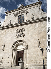 Popoli (L'Aquila, Abruzzi, Italy): historic buildings in Piazza della Liberta, the main square of the city. Facade of the San Francesco church, 15th century