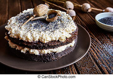 Poppy seeds cake with mascarpone and whipped cream