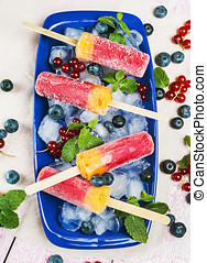 popsicle red currant, blueberry and peach and mint