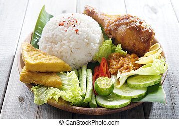 Popular Indonesian local food - Famous traditional...
