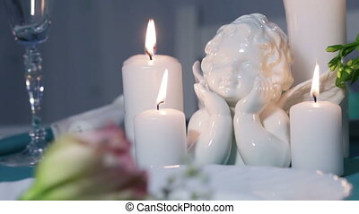 Porcelain angel - Festive table decoration with porcelain...