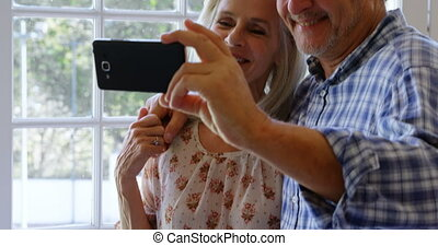porche, couple, 4k, prendre, personne agee, selfie