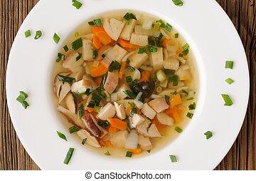 porcini, funghi, minestra, con, scalogno, in, piastra bianca, su, legno, fondo