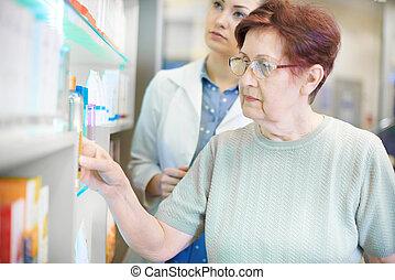 porcja, farmaceuta, starsza kobieta, recepta