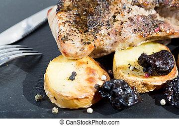 Pork sirloin roast - Pork tenderloin with roasted potatoes...