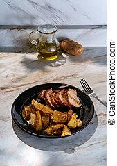 Pork Tenderloin Roast Potatoes - Roast pork tenderloin with ...